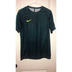 Men's M Nike Shirt. Good Condition